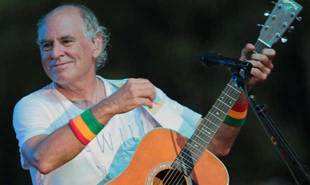 Jimmy Buffett to bring tour to Phoenix in October