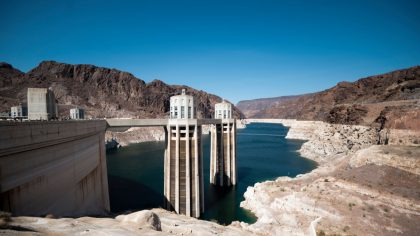 UNITED STATES - AUGUST 23: The bath tub rings around Lake Mead at the Hoover Dam in Boulder City, N...