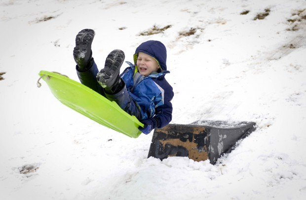 Southerners experiment with new concept: Sledding