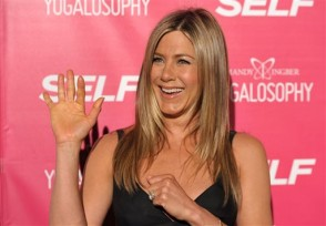Cast of 'Friends' get together for a brief reunion